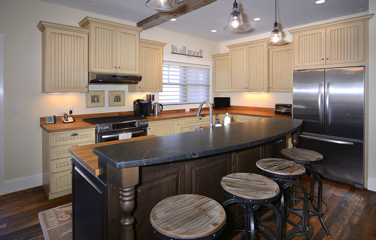 Bryant Avenue - Kitchen